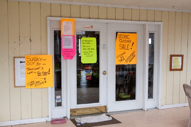 Photo: Closing signs on the entrance to the Hinckley Lake Boathouse. Photo by James Guilford.