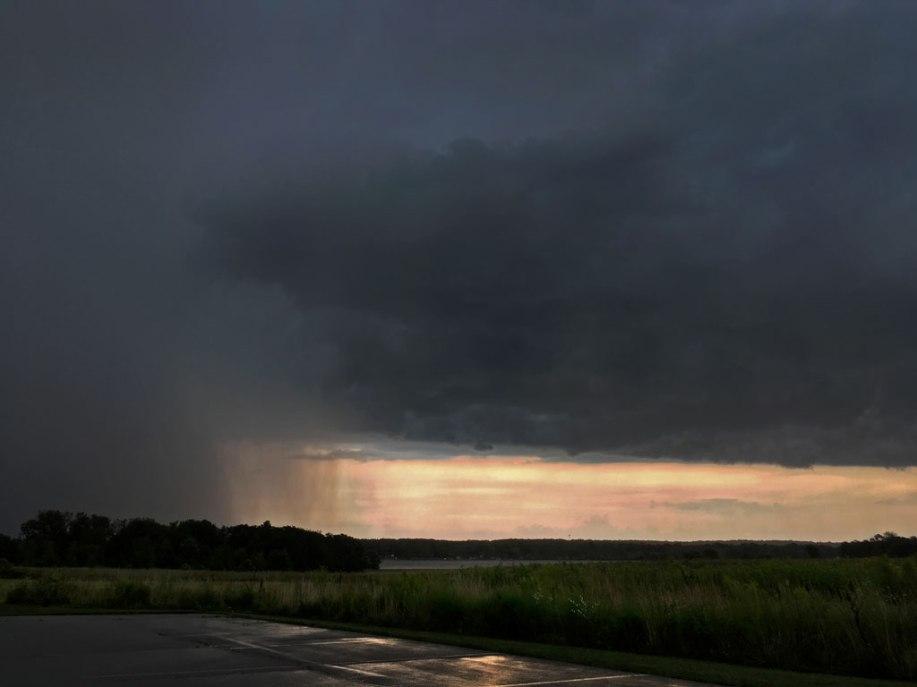 Photo: Dark clouds, rain curtains, diminishing light.